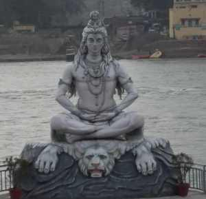 Taken on an overcast afternoon, but it shows the lion and other symbols that usually accompany Shiva.